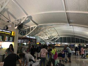 2019バリ島ングラライ空港3